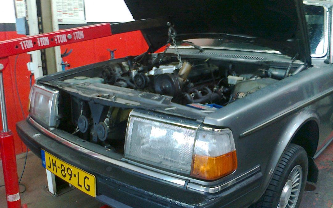Volvo 240 uit 1983 krijgt een dikke V8 en wordt een Sleeper